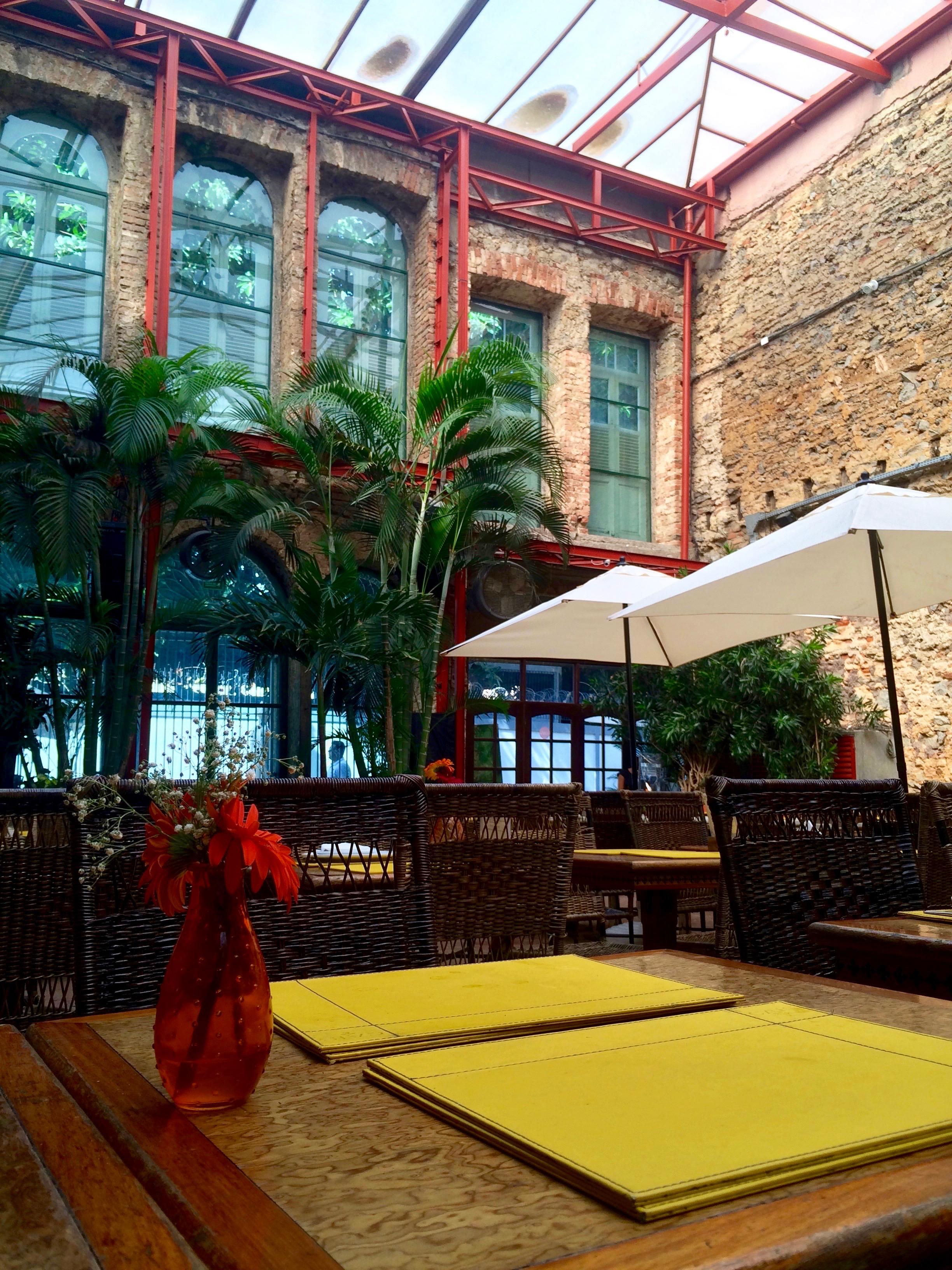 Le décor, Cais restaurante
