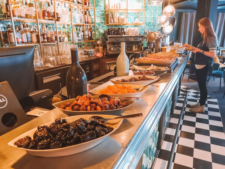 buffet_petit_dejeuner_hotel_fahrenheit_seven_courchevel