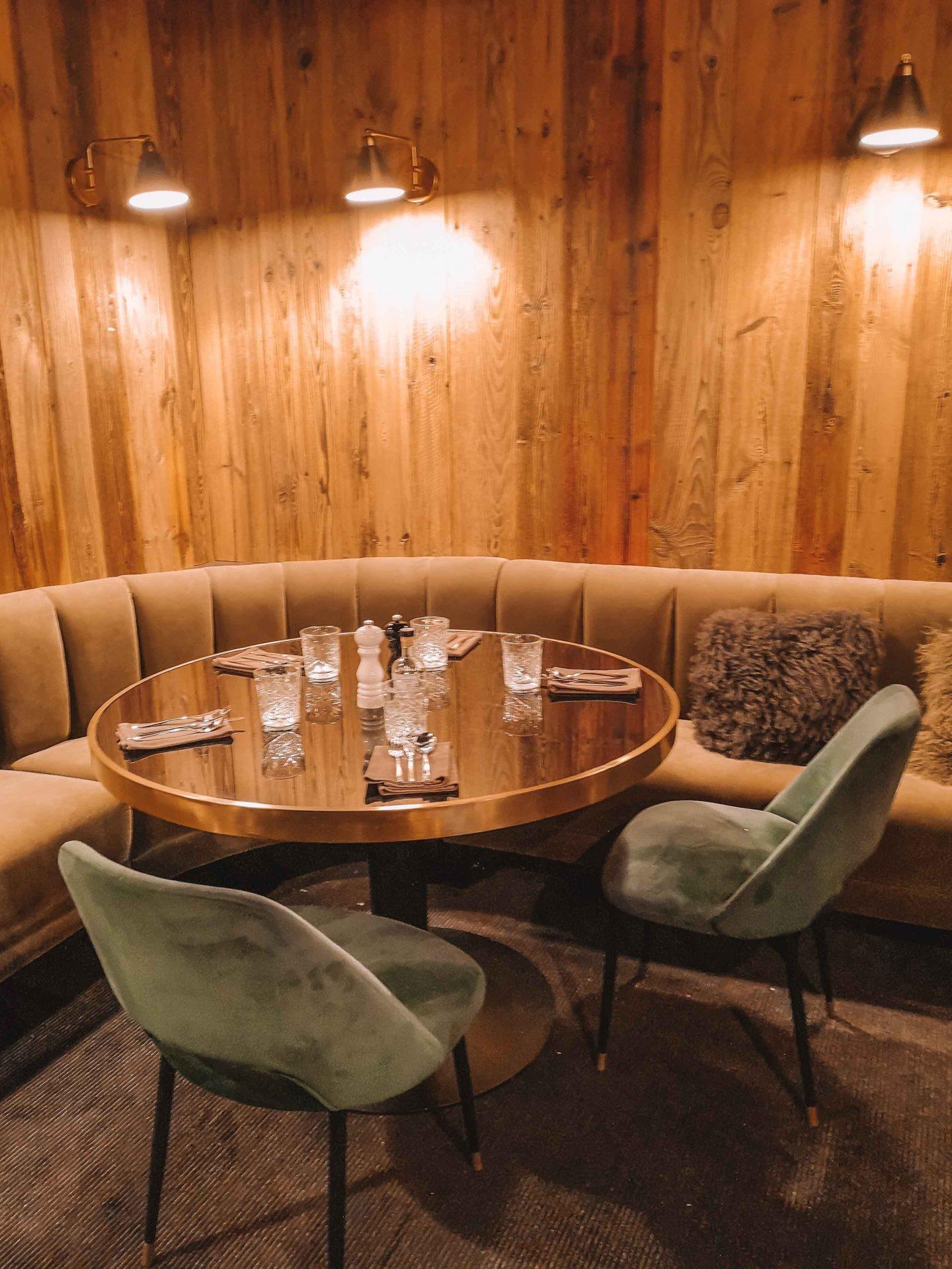 table_diner_hotel_fahrenheit_seven_courchevel